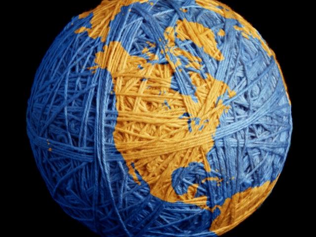 Земля из клубка ниток