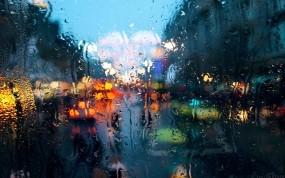 Обои Мокрое стекло: Город, Дождь, Разное