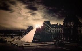 Обои Лувр: Линии, Небо, Пирамида, Лувр, Прочая архитектура