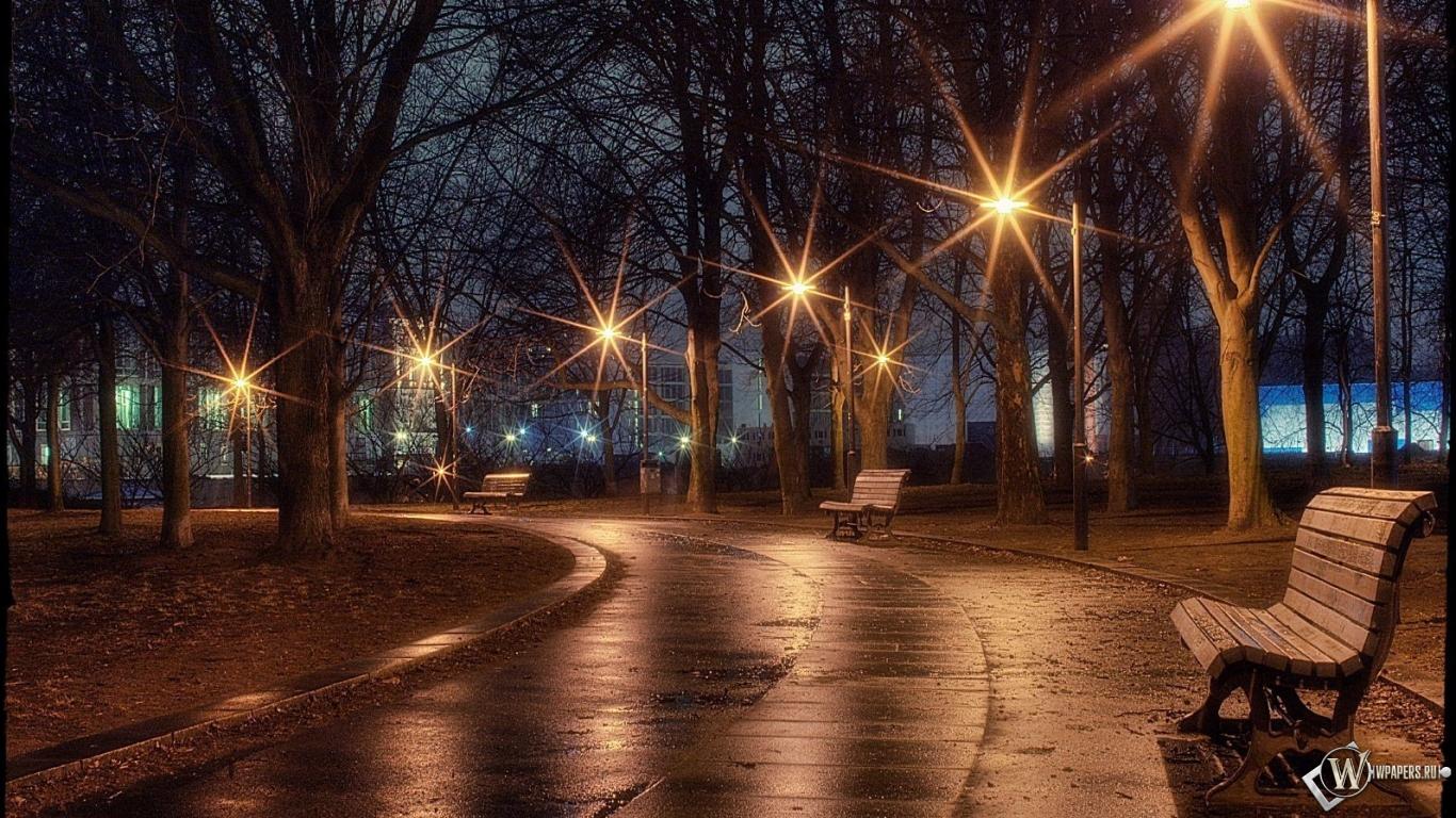 Ночная аллея 1366x768