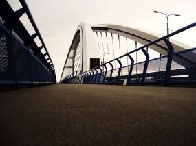 Обои Пешеходная дорожка моста: Дорога, Мост, Небо, Прочая архитектура