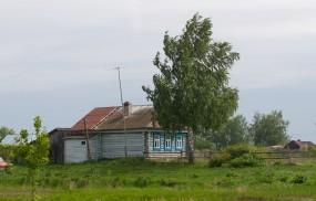 Обои Домик в деревне: Дерево, Домик, Деревня, Прочая архитектура