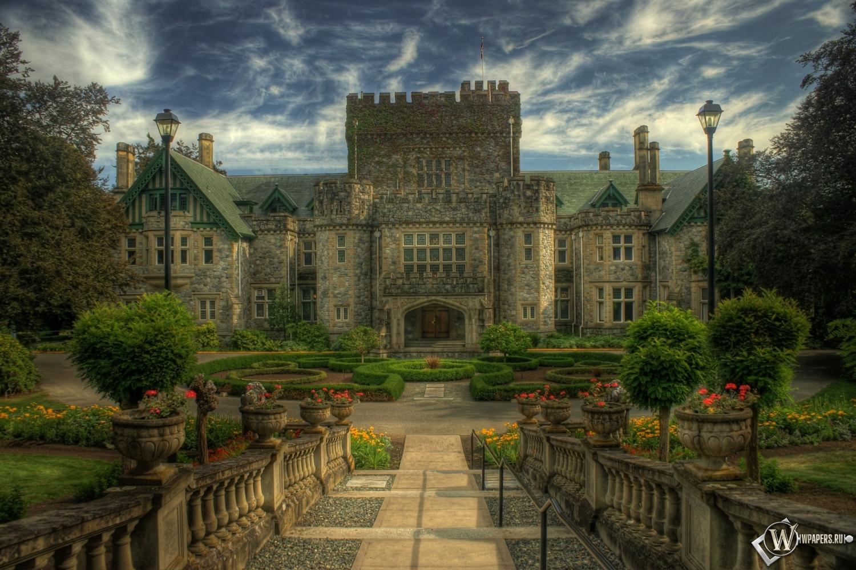 Старинный замок 1500x1000