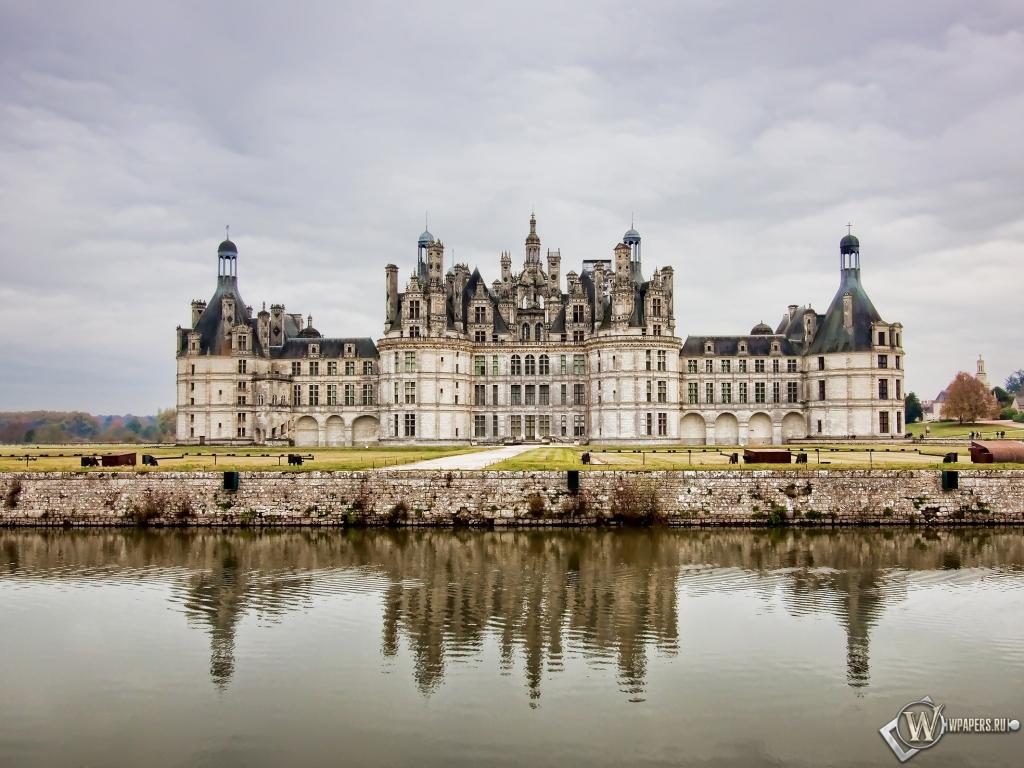 Замок во Франции 1024x768
