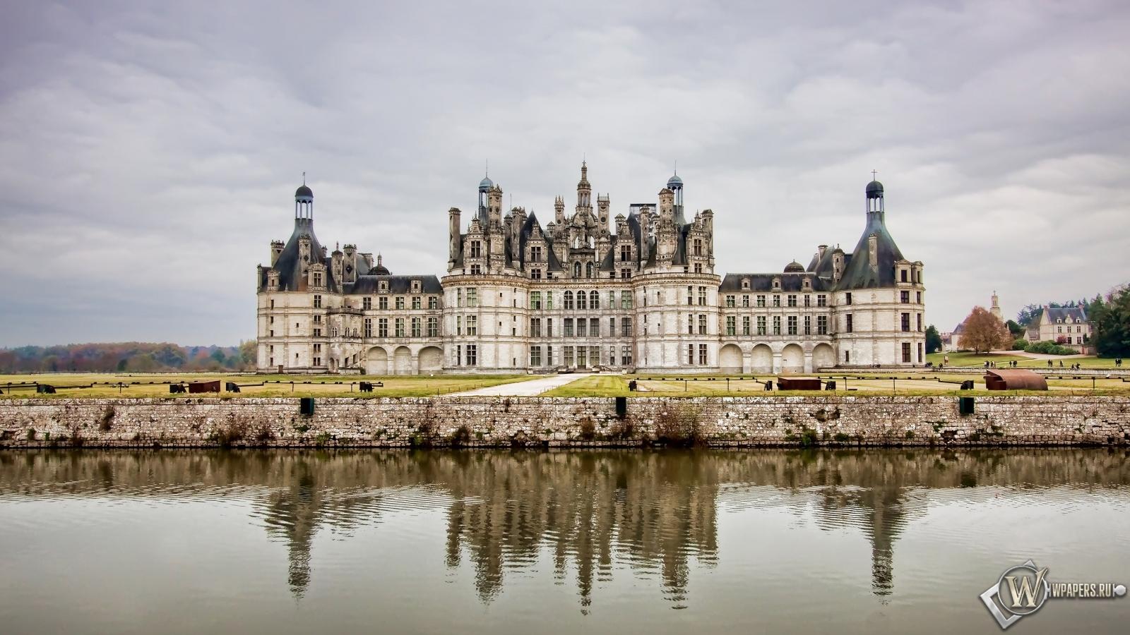 Замок во Франции 1600x900
