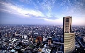 Обои Панорамный вид на город: Облака, Небо, Горизонт, Дома, Здания, Города