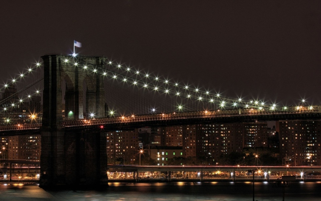 Бруклинский мост ночью