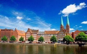 Обои Любек Германия: Река, Дома, Германия, Любек, Города