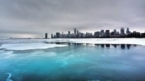 Обои Город во льду: Облака, Вода, Лёд, Город, Здания, Города