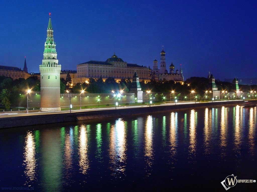 Москва Ночью на Красной Площади 1024x768