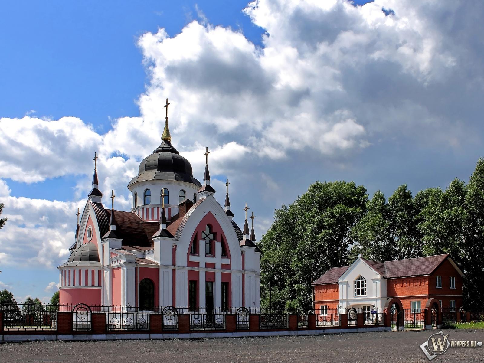 Новокузнецк Католический Храм св.Иоанна Златоуста  1600x1200