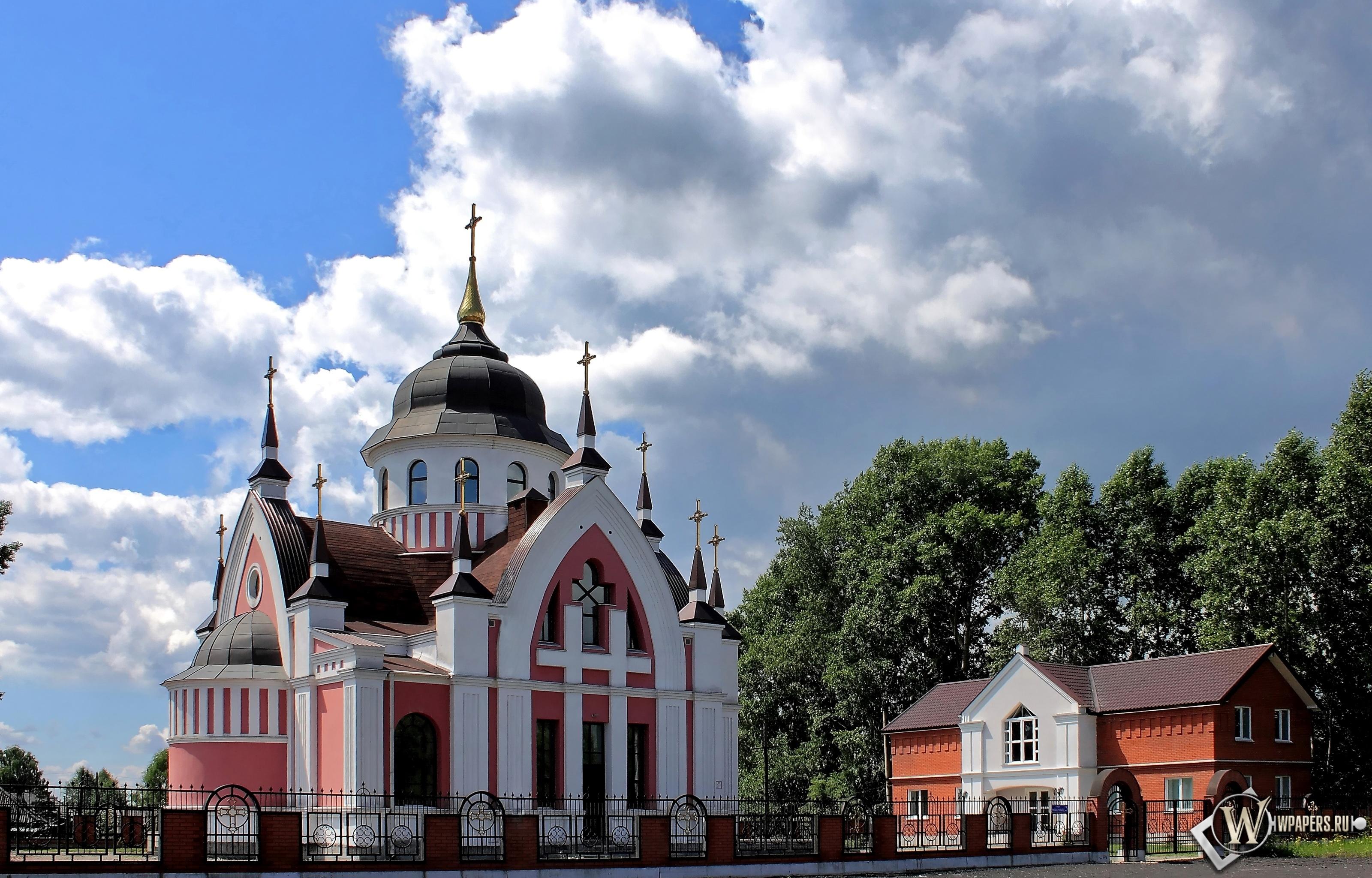 Новокузнецк Католический Храм св.Иоанна Златоуста  3200x2048