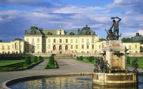 Обои Дроттнингхольм - Стокгольм - Швеция: Здания, Швеция, Скульптура, Прочие города