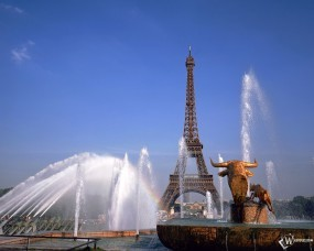 Обои Эйфелева башня на фоне фонтана: , Париж