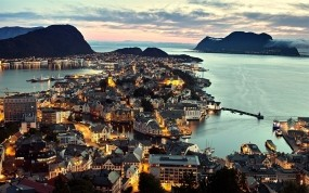 Обои Олесунн Норвегия: Вода, Город, Ночь, Города и вода
