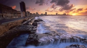 Обои The Malecon Havana Cuba: Закат, Здания, Куба, Города и вода