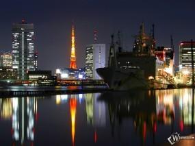 Обои Пришвартованый к городу корабль: Город, Ночь, Корабль, Города и вода