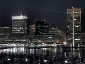 Обои Город ночью: Город, Океан, Порт, Катера, Здания, Города и вода