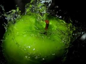 Обои Яблоко в брызгах: Вода, Брызги, Яблоко, Apple, Еда