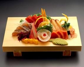 Обои Суши-салат с кальмаром и яйцами: Рыба, Суши, Салат, Нарезка, Еда