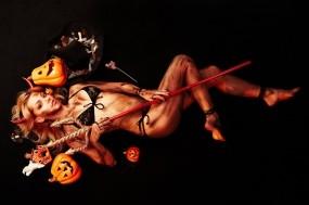 Обои Сексуальныая дьяволица: Блондинка, Halloween, Дьявол, Тыквы, Праздники