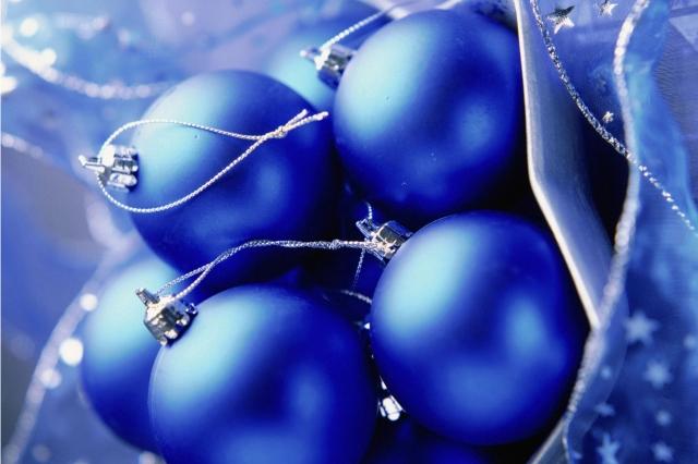 Синие шары