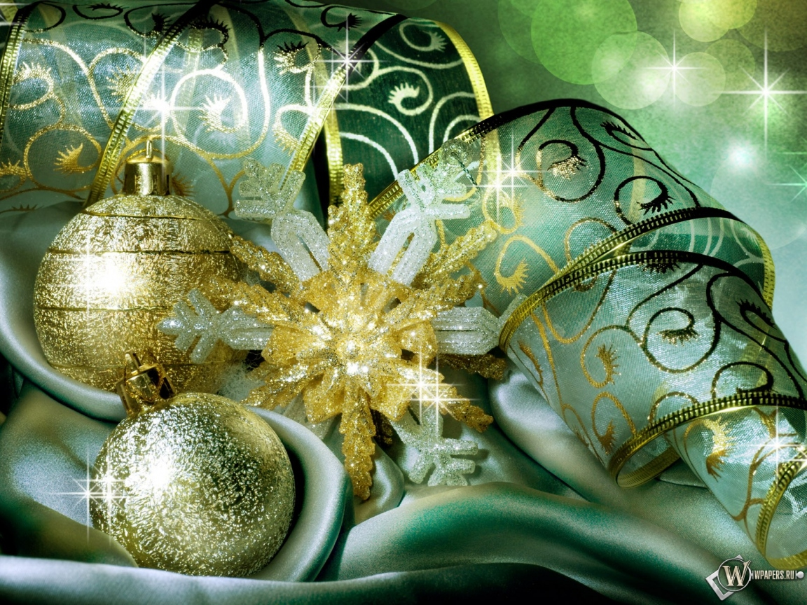Новогодние праздничные шарики 1152x864