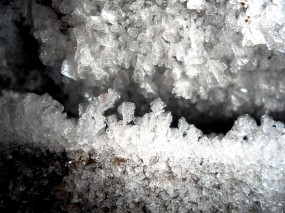 Обои Ледяные кристаллы в подполье: Вода, Лёд, Лёд