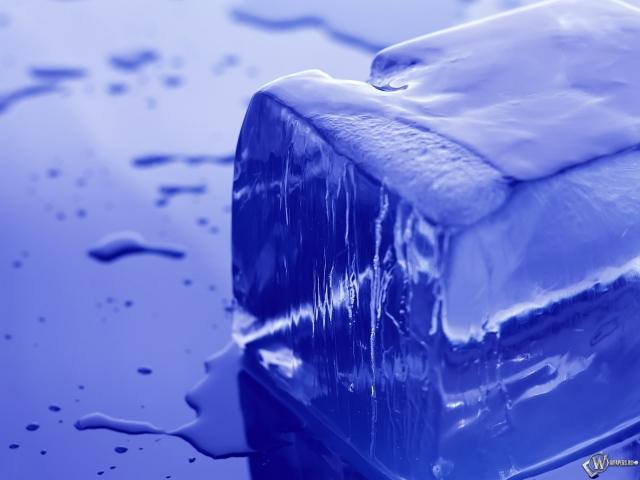 Ровный кусок льда