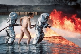 Обои Пожарники на задании: Пожар, Мужчина, Мужчины