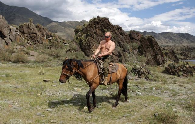 Владимир Путин на лошади