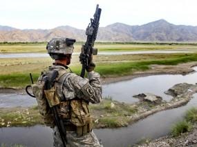 Обои Солдат США на задании: Горы, Оружие, Солдат, Мужчины