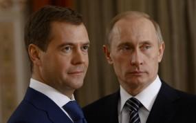 Обои Путин с Медведевым: Взгляд, Президент, В. Путин, Д. Медведев, Премьер-министр, Россия, Политика, Мужчины