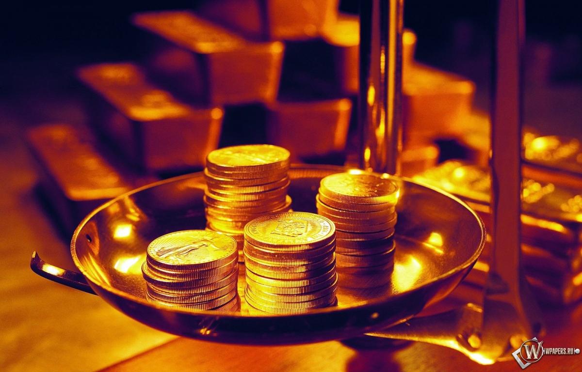 монеты на весах 1200x768