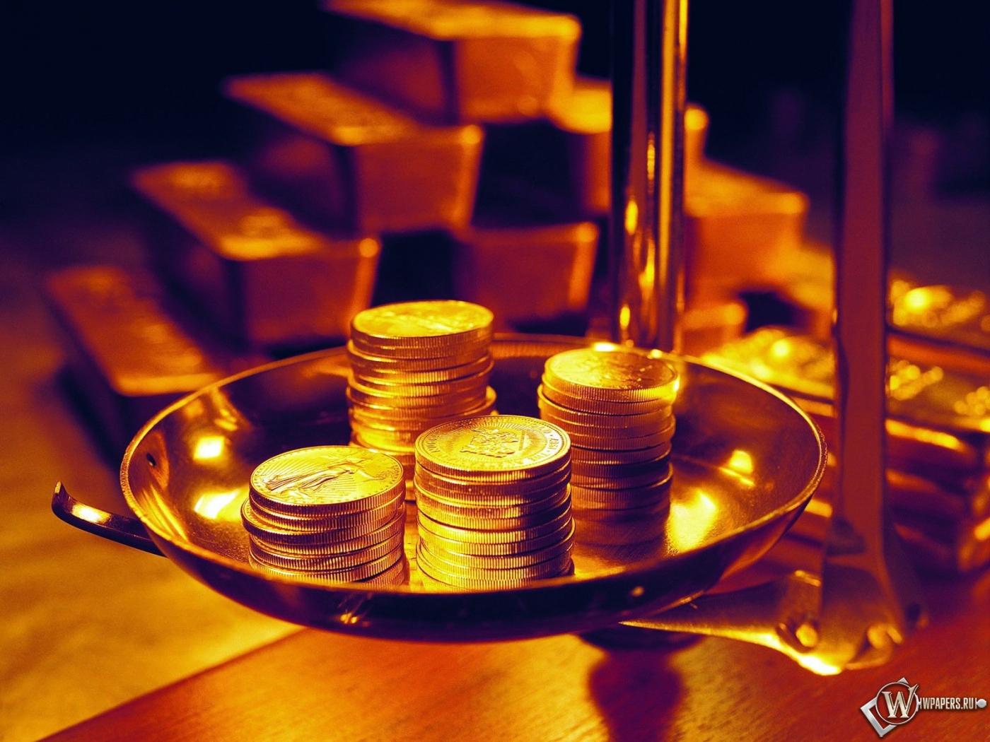 монеты на весах 1400x1050