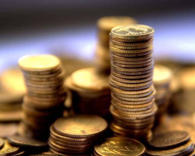 Монеты стопками