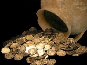 Обои Кувшин монет: Богатство, Золото, Деньги, Чёрный фон, Деньги