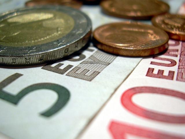 Бумажные и металлические евро