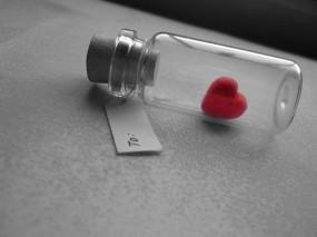 Обои Бутылка любви: Любовь, Сердце, Настроение, Бутылка, Настроения