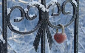 Обои Замочек-сердце: Сердце, Холод, Замок, Настроения