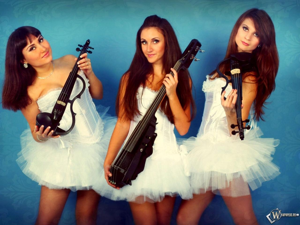 Трио Violin Group DOLLS - скрипачки и виолончелистка 1280x960