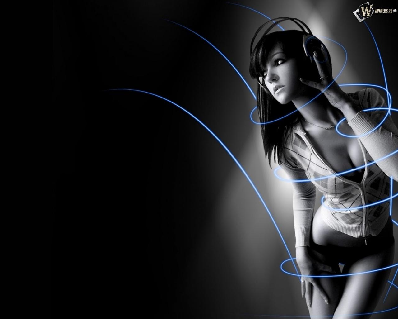 Симпотичная девушка в наушниках 1280x1024