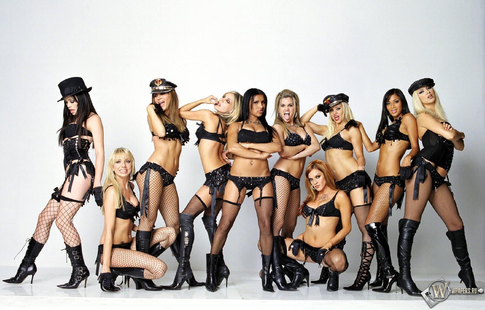 Naked blonde college cheerleaders