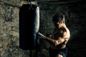 Обои Боксер: Удар, Спорт, Бокс, Боксер, Груша, Спорт