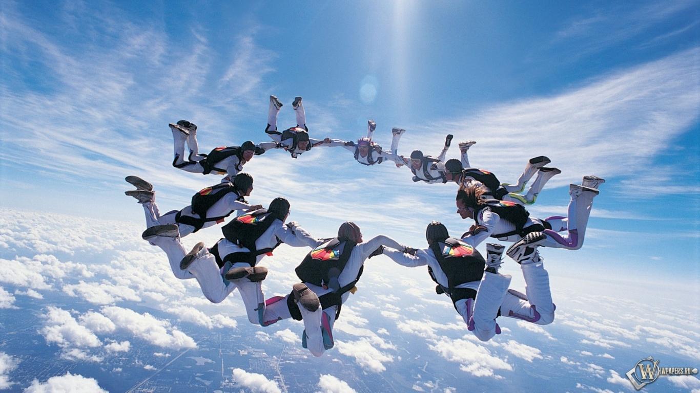Прыжки с парашютом 1366x768