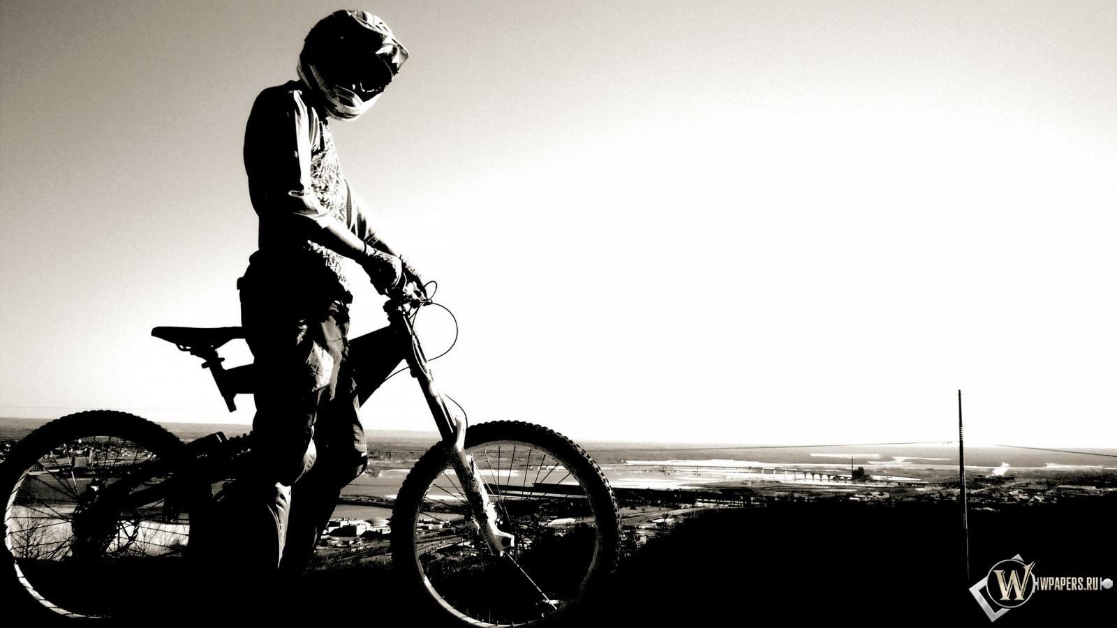 Велосипедист 1600x900