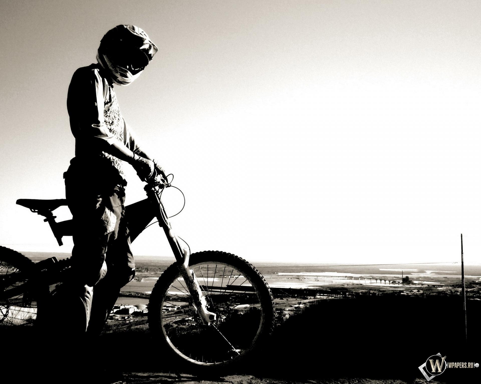 Велосипедист 1920x1536