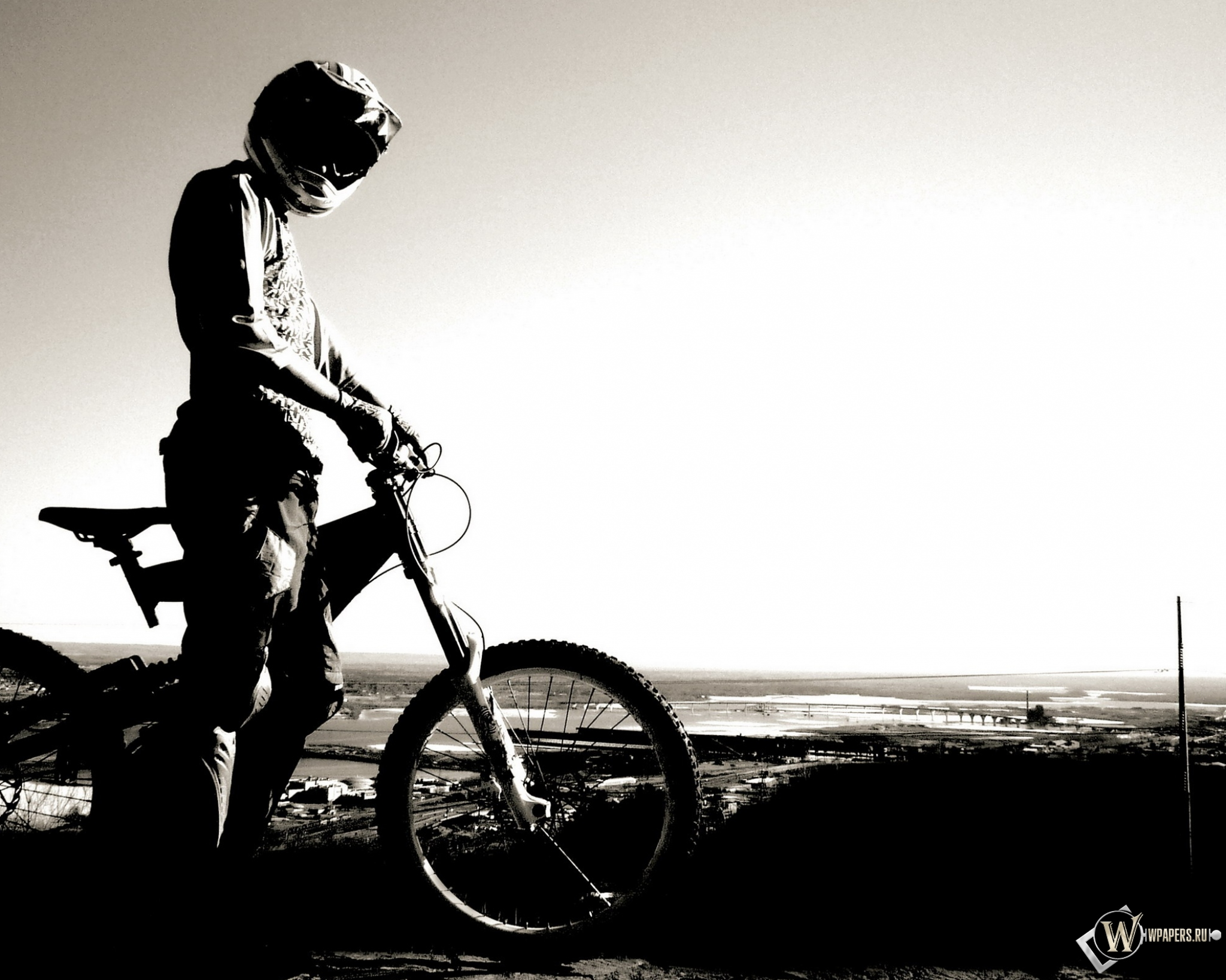 Велосипедист 2048x1638