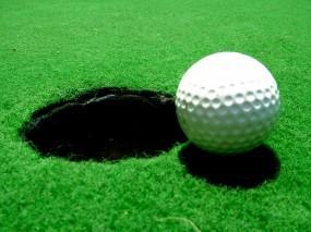 Обои Мячик для гольфа: Трава, Гольф, Мячик, Спорт