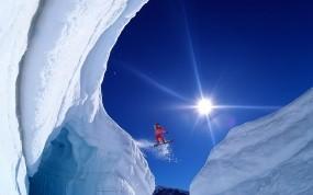 Скачок на сноуборде